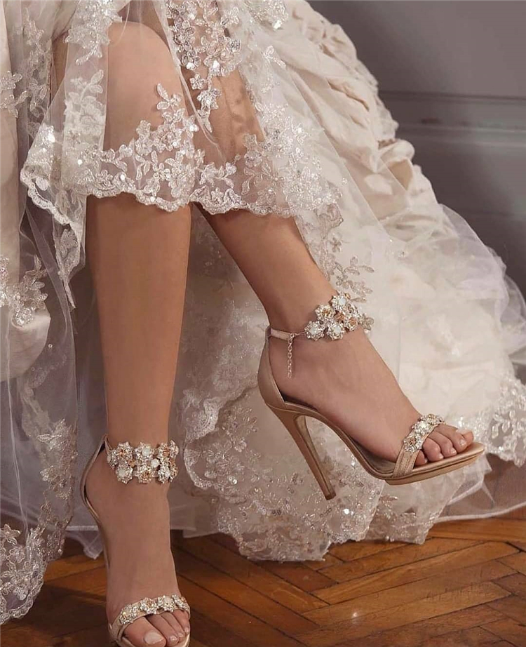 Gorgeous And Elegant Wedding Shoes You'll Love To Wear On Your Big Day;Wedding Shoes;Bridal Shoes;High Heel Wedding Shoes;Diamonds Wedding Shoes;Bridal Wedding Shoes;Brand Wedding Shoes; #wedding #weddingshoes #bridal #bridalweddingshoes