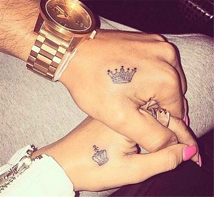 Couple Matching Tattoo Designs To Express Your Love ; Couple Tattoo Ideas; Couple Tattoos; Matching Couple Tattoos;Simple Couple Matching Tattoo;Tattoos #Tattoos #Coupletattoo #Matchingtattoo