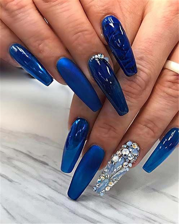 Gorgeous Dark Blue Coffin Nail Designs You Must Try This Winter; Dark Blue Nails; Coffin Nail; Dark Blue Coffin Nail; Winter Nails; Blue Coffin Nails; Winter Coffin Nails; #darkbluenails #coffinnails #coffin #nails #chicnails #darkblue #darkbluenails #darkbluecoffinnails