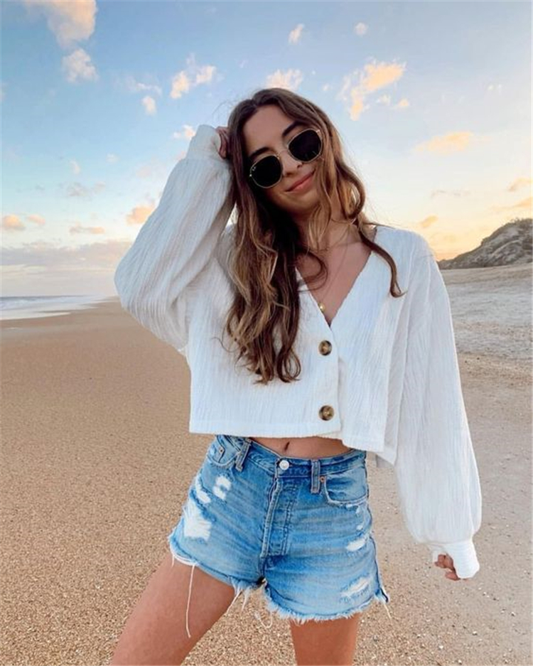 Gorgeous Beach Outfits On a Tropical Island For Your Winter Holiday; Beach Outfits; Outfits; Tropical Outfits; Islands Outfits; Tropical Island Outfits; Winter Holiday Desitination; Bohemian Dress; Hot Pants; Beach; #beachoutfits #tropicaloutfits #islandoutfits #outfits #summeroutfits