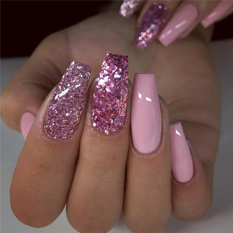 Stylish And Coolest Coffin Nail Designs To Start Your Wonderful Year 2020; Stylish Winter Nails; Coffin Nail; Coffin Nail Designs; Acrylic Coffin Nail Designs; Winter Acrylic Coffin Nail; Holiday Nails; Christmas Nails; #winternail #wintercoffinnails #coffinnail #acryliccoffinnails #christmasnails #nails #naildesign