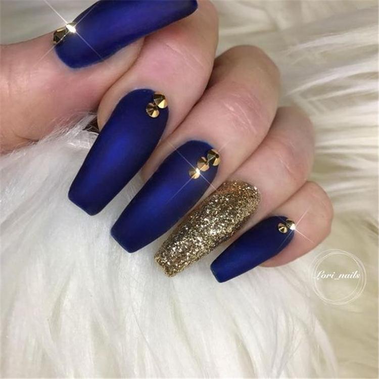 Gorgeous Dark Blue Coffin Nail Designs You Must Try This Winter; Dark Blue Nails; Coffin Nail; Dark Blue Coffin Nail; Winter Nails; Blue Coffin Nails; Winter Coffin Nails; #darkbluenails #coffinnails #coffin #nails #chicnails #darkblue #darkbluenails #darkbluecoffinnails