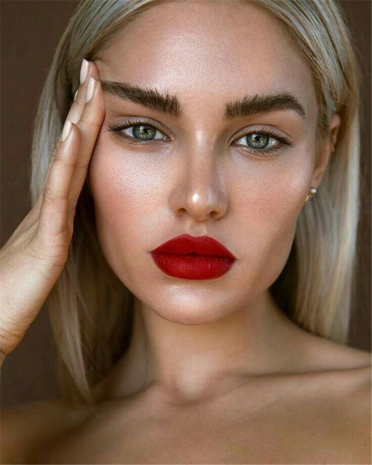 Trendy Makeup Looks With Red Lipstick For You; Stunning Makeup Looks; Red Lipstick; Red Lips; Red Lips Makeup; Red Makup Looks; Stunning Red Lipstick;