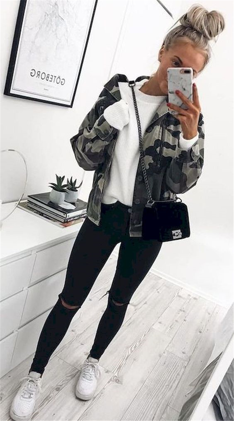 Cute And Trendy Spring Outfits Ideas For School; School Outfits; Spring Outfits; Trendy Spring Outfits; School Casual Outfits; Casual Outfits; Spring Casual Outfits; School Girl; Outfits;