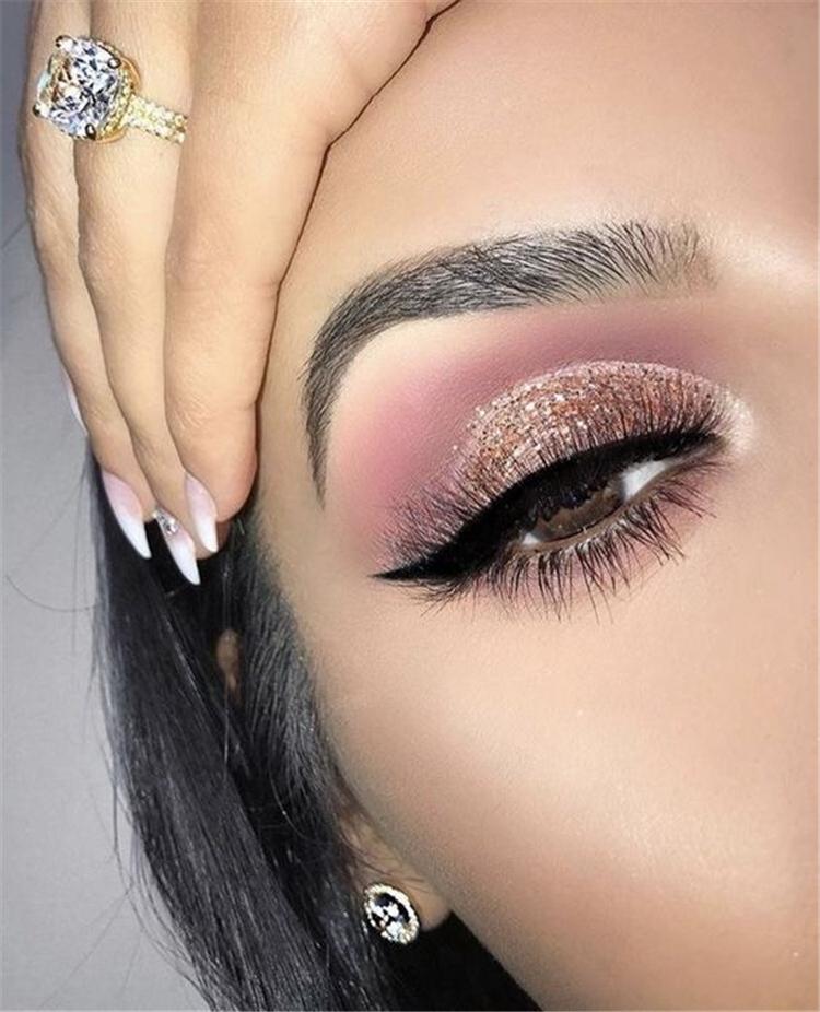 Gorgeous Rose Gold Eye Makeup Ideas To Make You Look Like A Goddess; Rose Gold Eye Makeup; Eye Makeup; Makeup looks; Valentine Makeup; Makeup Looks; Valentine Makeup Looks; Natural Makeup; Natural Looks; Red Eyeshadow Makeup Looks; Valentine's Day; Red Eye Makeup; Red Eyeshadow Eyeshadow#makeup#makeuplooks#holidaymakeup#naturalmakeup#Chirstmasmakeup#redeyeshadow#redeyemakeup#Valentine'sDay#valentinemakeup