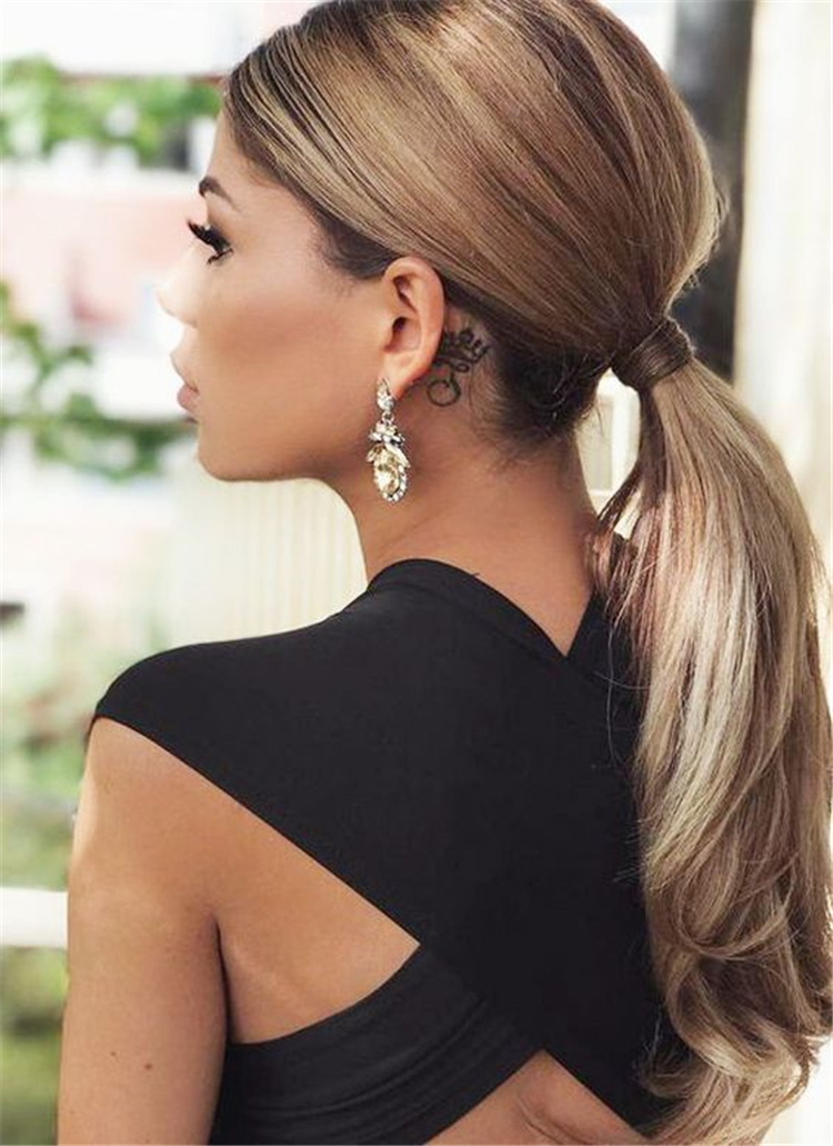 Glamorous And Trendy Ponytail Hairstyles For This Winter; Ponytail Hair Prom; Blonde Hair Style; Messy Ponytail Hairstyle; Casual Ponytail Hairstyle; High Ponytail Hair Style; Easy Ponytail Hairstyle #Ponytail #Hairstyle#BlondeHair