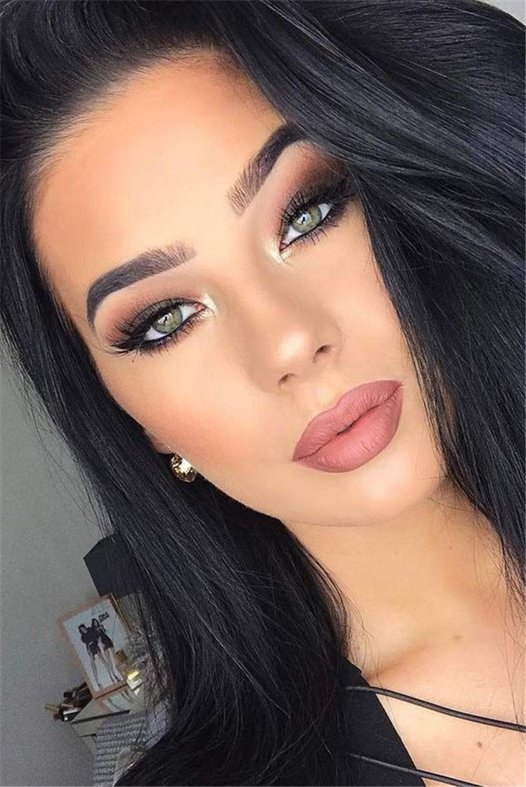 Best Winter Makeup Looks For Your Inspiration; Makeup Looks; Winter Makuep; Winter Makeup Looks; Smoking Eye Makeup Looks; Smoking Eye; Trendy Makeup Looks; Latest Makeup Looks; #makeup #makeuplooks #wintermakeup #smokingeye #chicmakeup #fashionmakeup