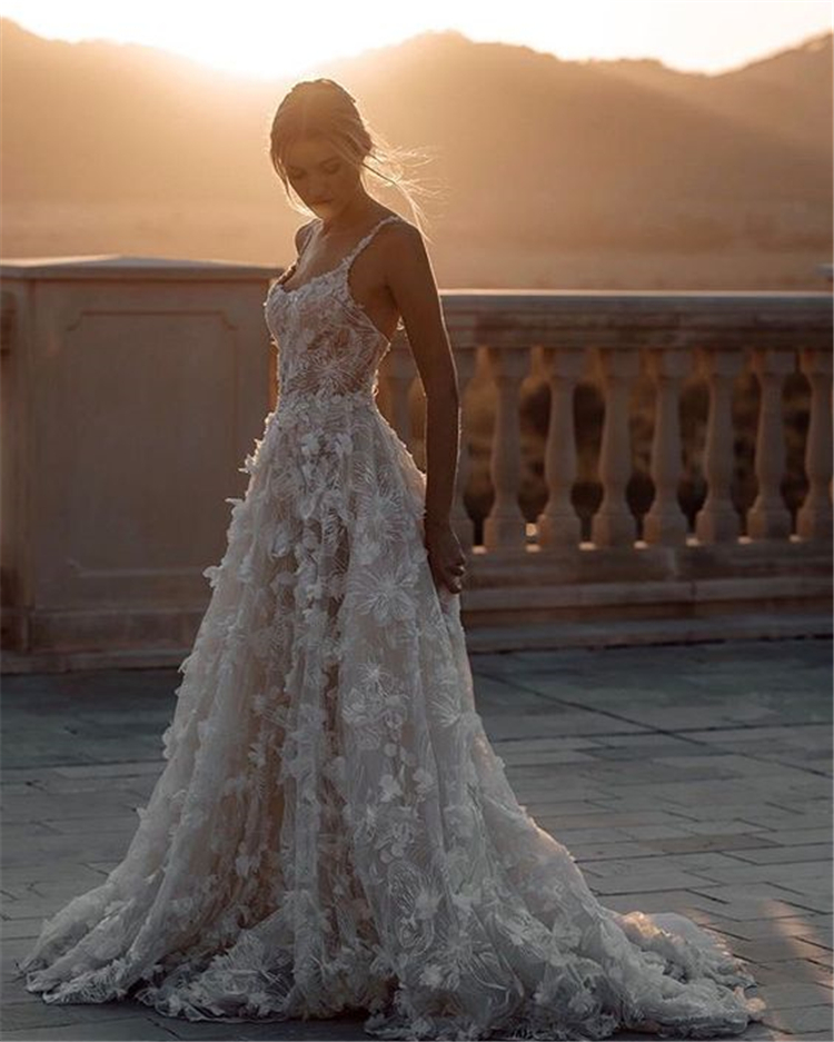 Gorgeous Vintage Wedding Dresses You'll Love For Your Big Day; Gorgeous Wedding Dress; Breath Taking Wedding Dress; White Wedding Dress; Brand Wedding Dress; Off The Shoulder Lace Wedding Dresses; Lace Long Sleeves Wedding Dress; Vintage Wedding Dress; Vintage; #vintagedress #vintageweddingdress #weddingdress #vintage