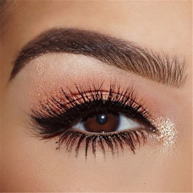 Wedding Makeup Looks To Be Exceptional;Wedding Makeup; Sparkling Smoke Eye Makeup Ideas; Glitter Eye Makeup Ideas; Eye Makeup Ideas; Glitter Smoke Eye; Fantastic Makeup Ideas; Glitter; Makeup Ideas; Glitter And Sparkling Smoke Eye;