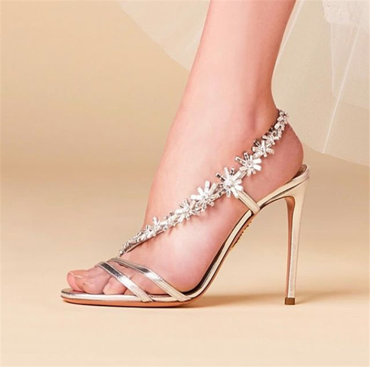 Gorgeous Wedding Shoes Ideas For Your Spring Wedding;Wedding Shoes;Bridal Shoes;High Heel Wedding Shoes;Diamonds Wedding Shoes;Bridal Wedding Shoes;Brand Wedding Shoes; Spring Wedding Shoes; Spring Wedding;