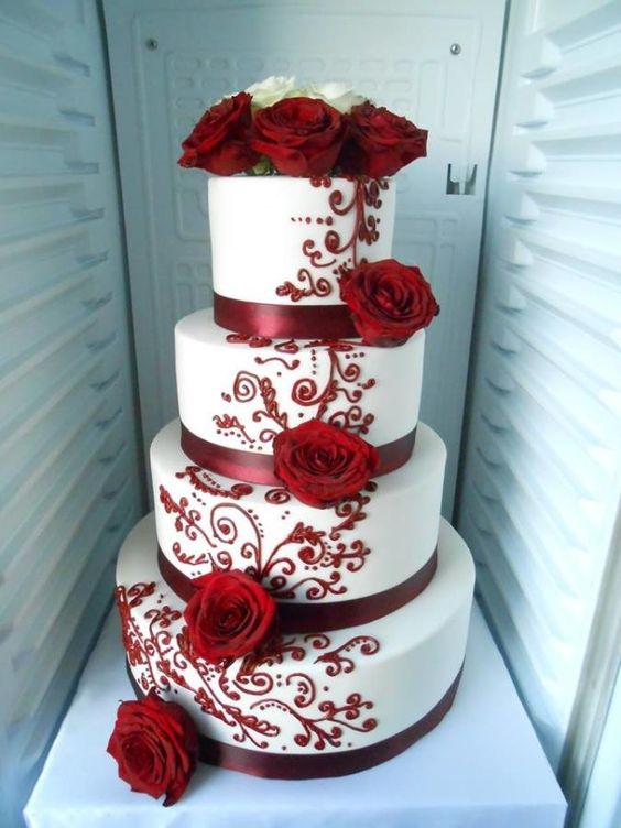 Elegant And Beautiful Wedding Cakes You'll Like; Wedding Cakes; Floral Wedding Cakes; Floral Cakes; Romantic Cakes; Elegant Wedding Cakes; Rustic Wedding Cakes; Rustic Wedding; Modern Wedding Cakes;