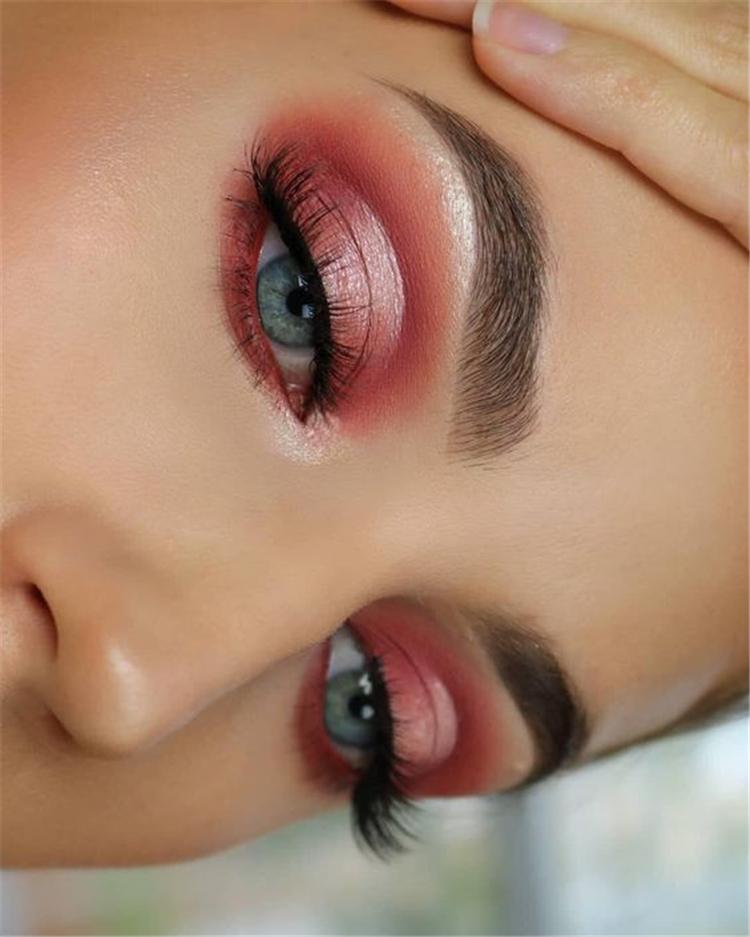 Holiday Eye Makeup Designs To Make You Holiday Special; Holiday Eye Makeup Designs; Smoking Eyes; Eye Shadows; Holiday Makeup; Holiday Eye Makeup Ideas;