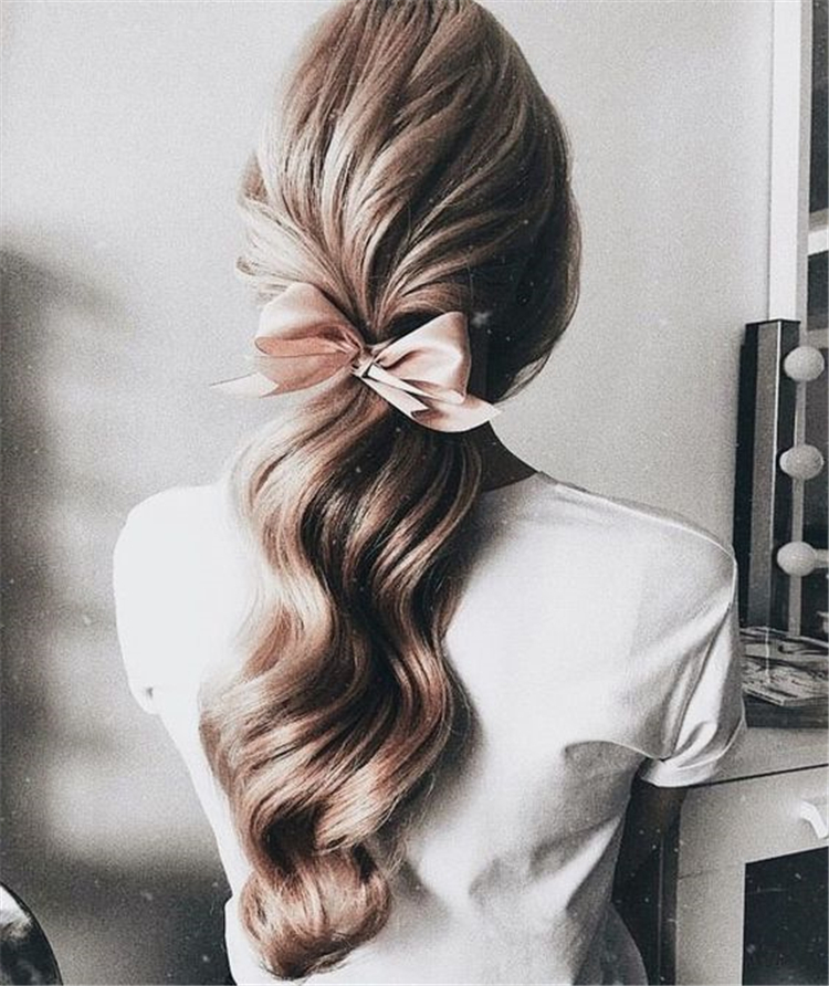 Casual And Stunning Ponytail Hairstyles Which You Will Love; twisted ponytail; ponytail hairstyles; trendy hairstyles and colors; women hair colors; easy ponytail hairstyles; ponytail; Daily Hairstyles; Ribbon Ponytail;