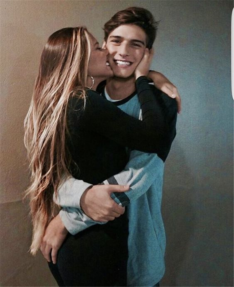 Sweet Couple Photographs For Your Endless Romance; Relationship; Lovely Couple; Relationship Goal; Romantic Relationship Goal; Love Goal; Dream Couple; Couple Goal; Couple Messages; Sweet Messages; Boyfriend Goal; Girlfriend Goal; Boyfriend; Girlfriend;