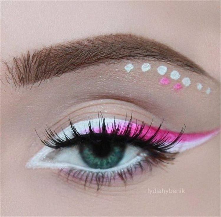 Great Colored Eyeliner Makeups For Spring; Spring Eyeliner; Colored Eyeliner; Colored Eyeliner Makeups; Spring Makeups; Spring Eyes; Spring Eyeliner Makeups; Charming Eyeliner;