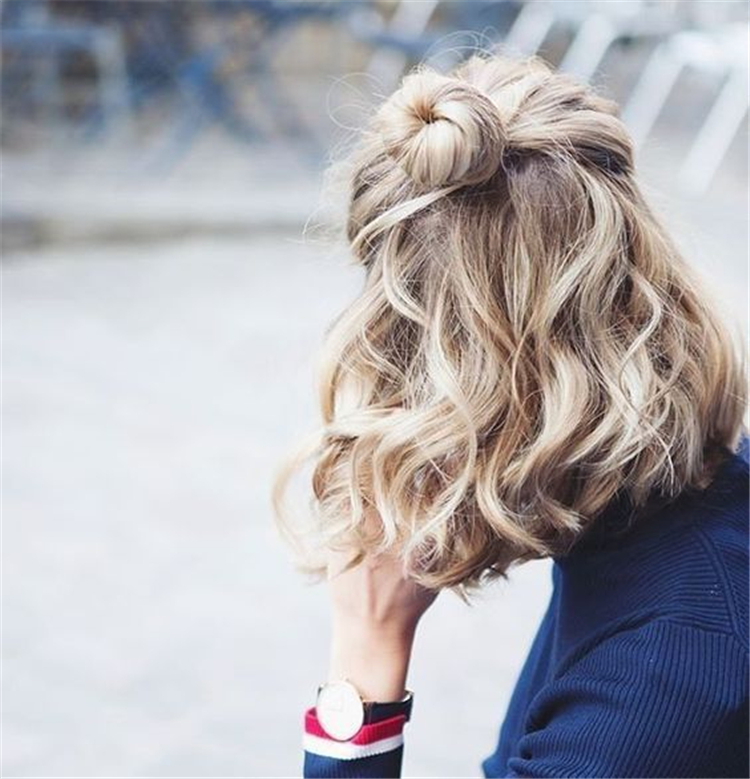 Easy And Cute Back To School Hairstyles You Must Try; Cute Hairstyles; medium length hairstyles; hairstyles for school; simple and cute hairstyles; back to school hairstyles.