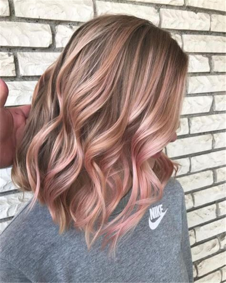Gorgeous Rose Gold Hair Color Ideas For You; Rose Gold Hair; Rose Gold Hair Color; Rose Gold Hair Color Ideas; Gorgeous Hair; Hairstyles; Rose Gold; Rose Gold Fashion;