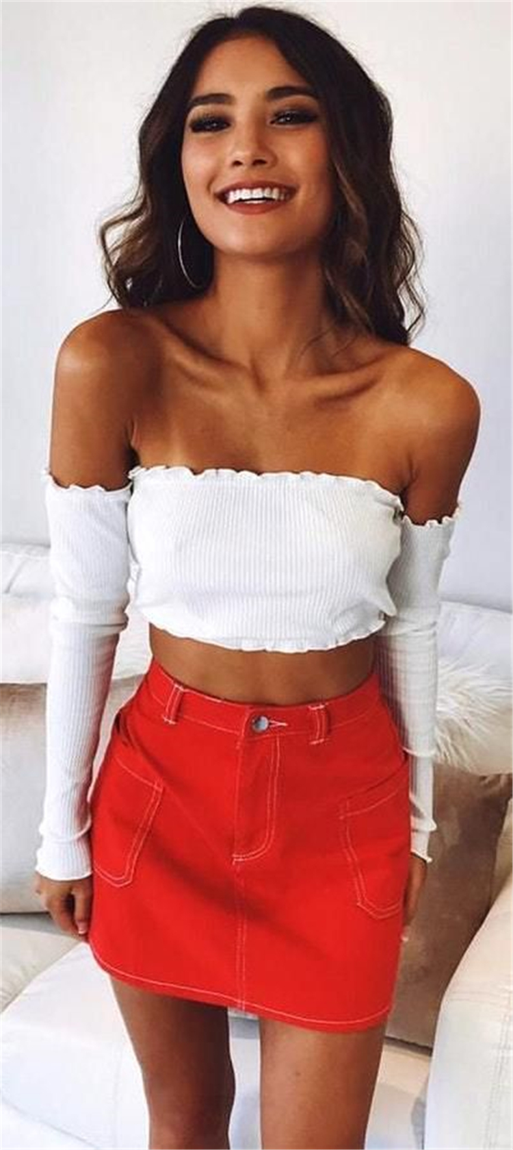 Stunning Summer Outfits With Mini Skirt You Would Love To Try This Summer; Summer Outfits; Summer Outfits With Mini Skirt; Mini Skirt; Summer Mini Skirt; Outfits; Stunning Summer Outfits With Mini Skirt; Mini Skirt For Summer;