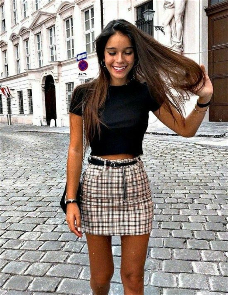Chic And Casual Back To School Outfit Ideas For This Summer; Back To School Outfit; School Outfit; Teen Outfits; Teen Back To School Outfit; Chic Outfits; Casual Outfits; School Outfit Ideas; Summer Back To School Outfits;
