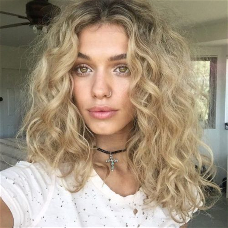 curly,hairstyles,lazy and charming,perm hairstyles,Fluffy Air Perm Hairstyle,American Natural Rippled Micro Curly Hairstyle,Hippie curly hairstyle