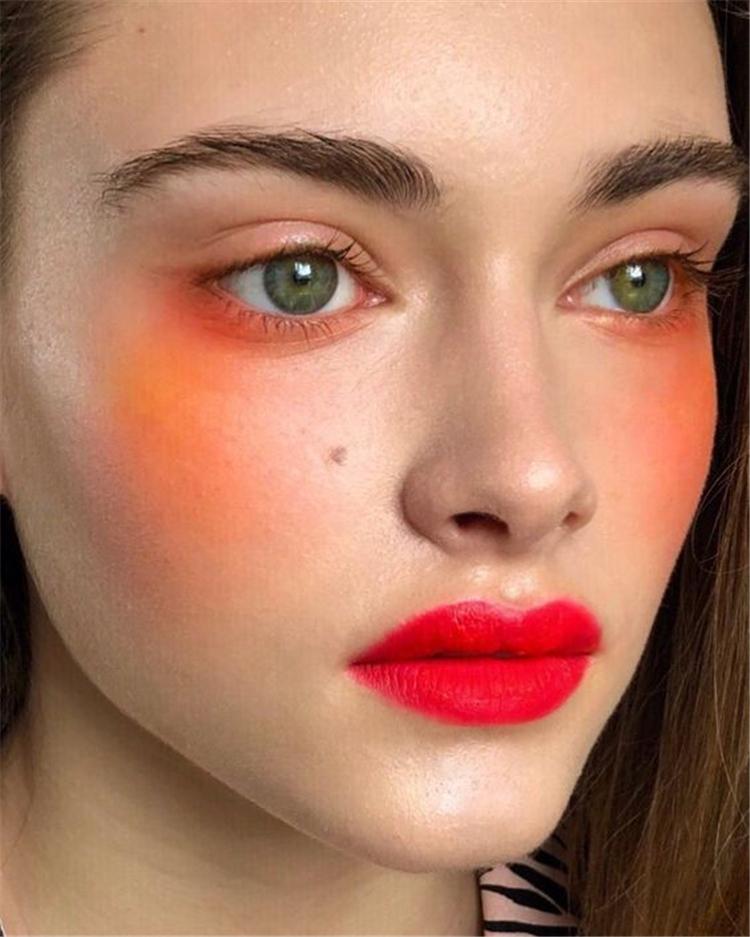 Elegant,Exquisite,Makeup,Autumn,eyeshadow,Brick red eyeshadow,Metallic eyeliner,Coral red blush